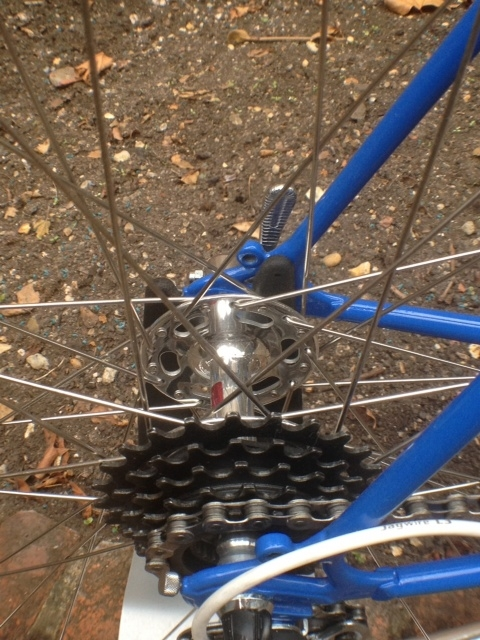 Frame details and rear Competition HF hub